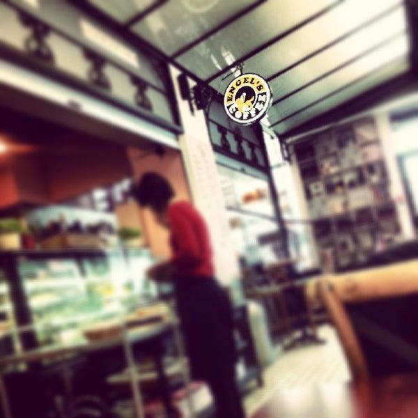 Foto diambil di Engel's Coffee oleh kdfa pada 5/23/2013