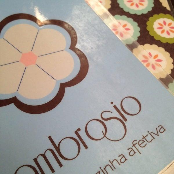 Foto diambil di Café Ambrosio oleh Janaina N. pada 1/18/2013