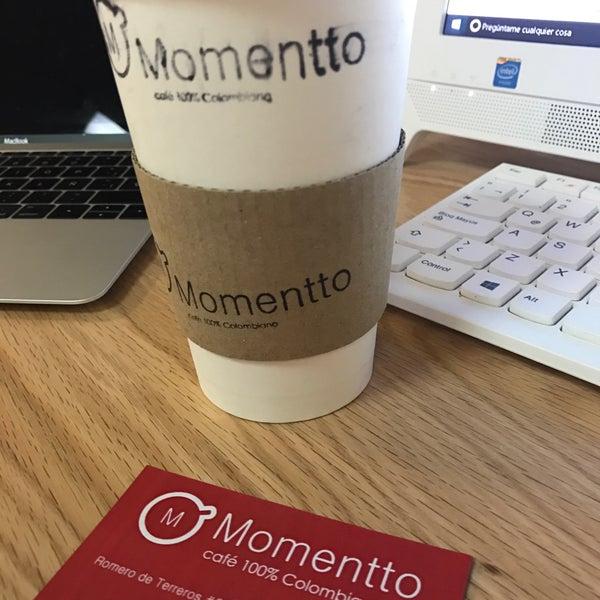 Foto tirada no(a) Momentto Café 100% Colombiano por Ernesto M. em 2/25/2017