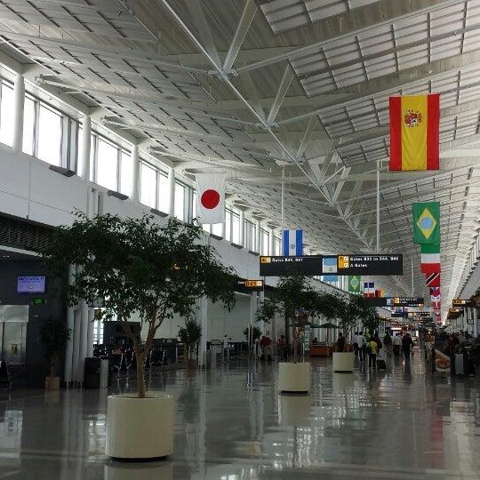 Снимок сделан в Вашингтонский аэропорт имени Даллеса (IAD) пользователем Stephen B. 5/16/2013