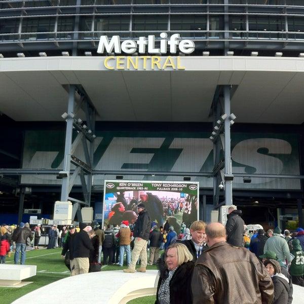 รูปภาพถ่ายที่ MetLife Stadium โดย Carlos N. เมื่อ 12/23/2012
