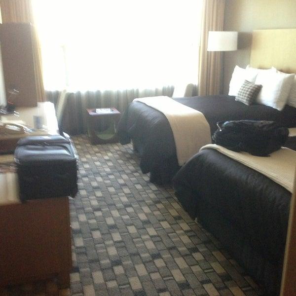 Das Foto wurde bei Hotel Rose von Steven C. am 6/6/2013 aufgenommen