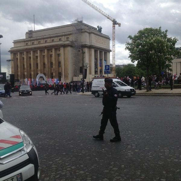 Photo prise au Place du Trocadéro par Les Carnets D. le5/13/2013