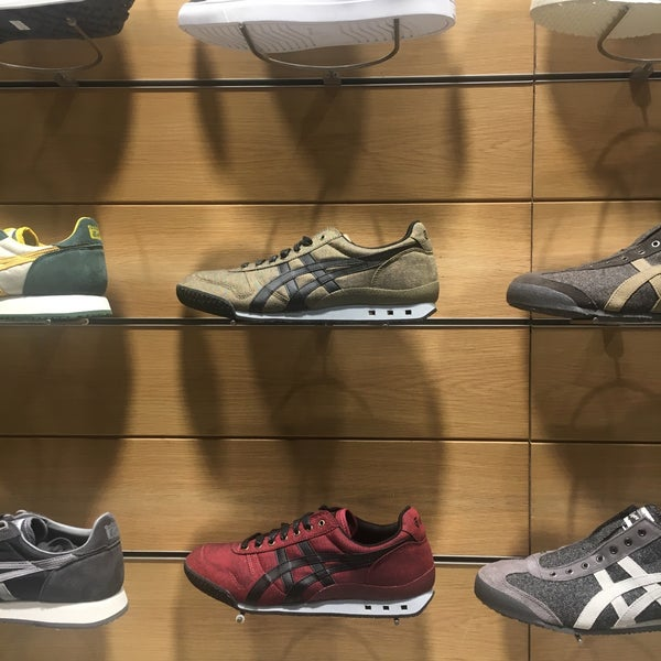new product 97f7c aae0f Onitsuka Tiger - Shoe Store in San Lorenzo
