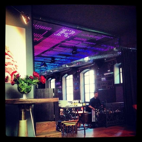 Foto tomada en FF Restaurant & Bar por Ekaterina K. el 6/5/2013