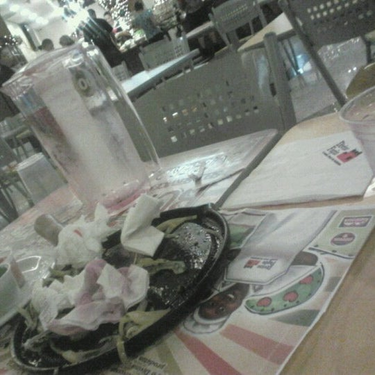 12/6/2012 tarihinde Rodrigo H.ziyaretçi tarafından Shopping Center Penha'de çekilen fotoğraf