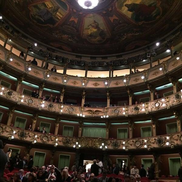 Das Foto wurde bei Teatro Colón von Antonio O. am 4/5/2018 aufgenommen