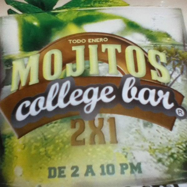 Foto diambil di College Bar oleh Pako V. pada 1/15/2013