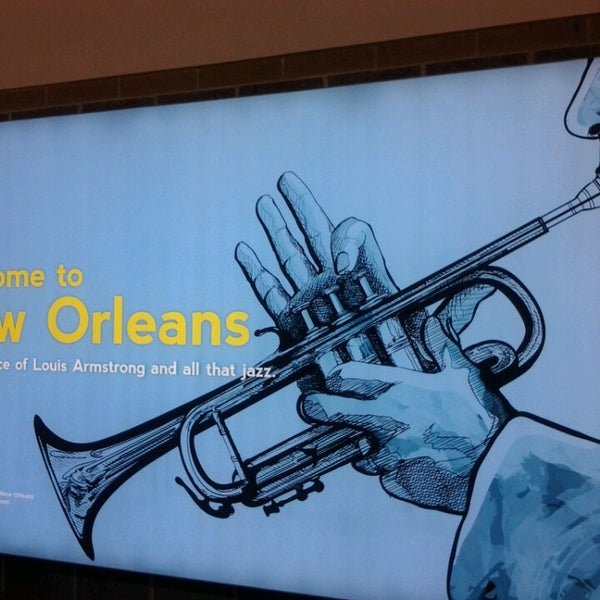 Foto scattata a Louis Armstrong New Orleans International Airport (MSY) da Ayana G. il 5/30/2013