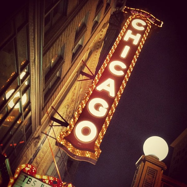 Foto scattata a The Chicago Theatre da Paul v. il 6/17/2013