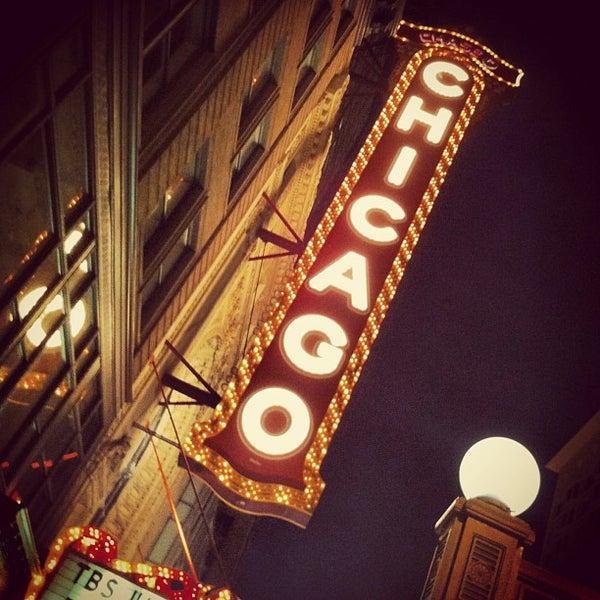 6/17/2013에 Paul v.님이 The Chicago Theatre에서 찍은 사진