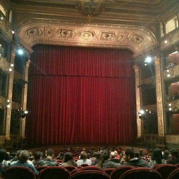Das Foto wurde bei Teatro Colón von Eder S. am 6/16/2016 aufgenommen