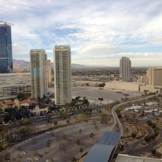 Снимок сделан в LVH - Las Vegas Hotel & Casino пользователем G S. 12/13/2012