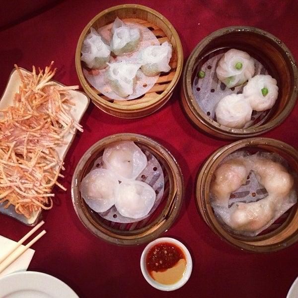 2/1/2014에 v d.님이 Oriental Garden 福臨門海鮮酒家에서 찍은 사진