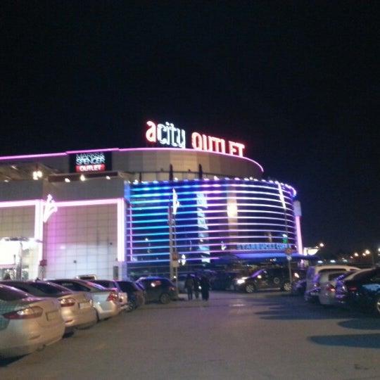 Foto scattata a ACity Premium Outlet da Ahmet B. il 12/14/2012