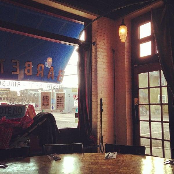 Photo prise au Barbette par Brian B. le11/4/2012