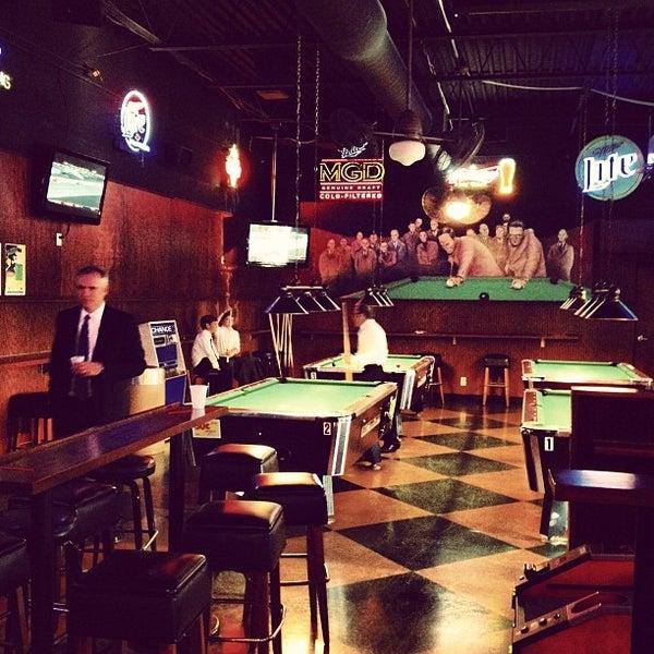 รูปภาพถ่ายที่ Park Tavern Bowling & Entertainment โดย Brian B. เมื่อ 9/15/2012