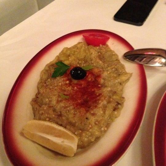 Das Foto wurde bei Taci's Beyti Restaurant von Frank  V. am 11/30/2012 aufgenommen