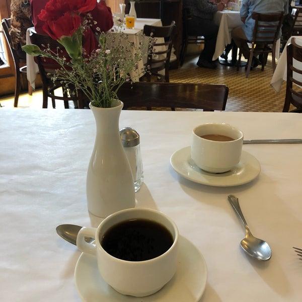 รูปภาพถ่ายที่ Restaurante Don Toribio โดย Gabbo A. เมื่อ 8/5/2018