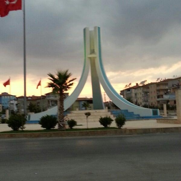 8/31/2013 tarihinde Ugur A.ziyaretçi tarafından Albayrak Meydanı'de çekilen fotoğraf