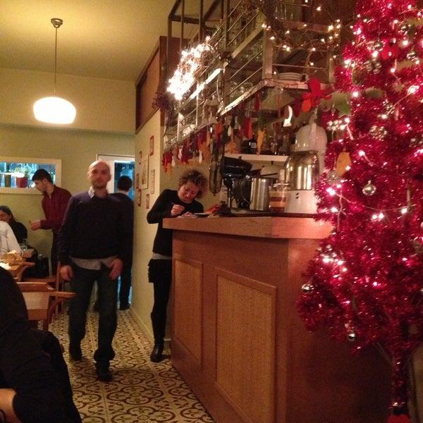 Foto tomada en Sıdıka Meze Restoranı por Bukefalos Z. el 12/28/2012