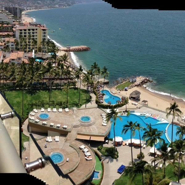 Foto tomada en Sunset Plaza Beach Resort & Spa por alli C. el 5/17/2013