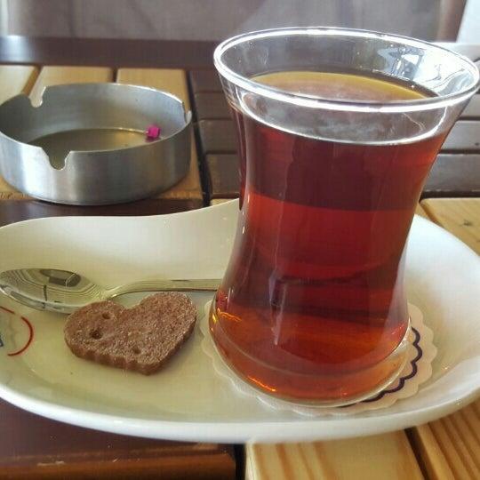 Photo prise au Coffee Castle par 🌠 BuRaK . le2/28/2016