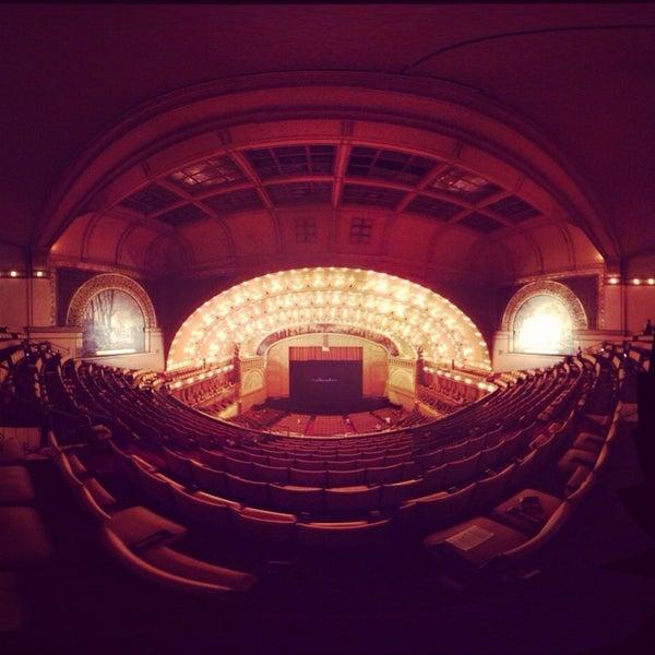 2/16/2013 tarihinde Antonio G.ziyaretçi tarafından Auditorium Theatre'de çekilen fotoğraf