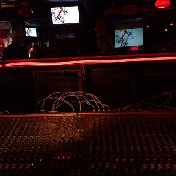 5/3/2014에 Michael S.님이 Jerseys Bar & Grill에서 찍은 사진