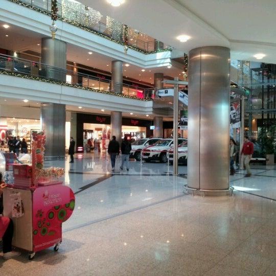 Das Foto wurde bei Cepa von Ziya Y. am 12/14/2012 aufgenommen