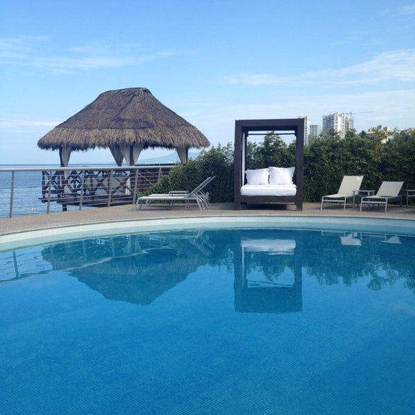 Foto tomada en Sunset Plaza Beach Resort & Spa por Claudia F. el 7/18/2013