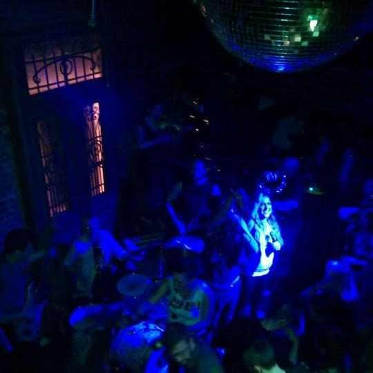 Photo prise au Mehanata Bulgarian Bar par Anastasia G. le1/6/2013