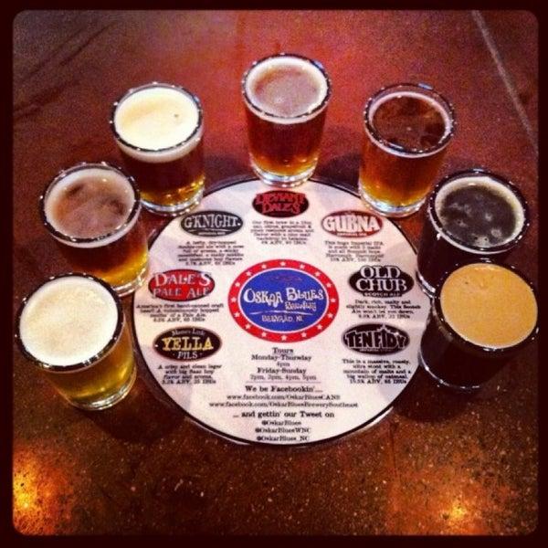 5/9/2013 tarihinde Meshell H.ziyaretçi tarafından Oskar Blues Brewery'de çekilen fotoğraf