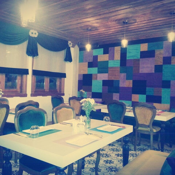 Foto diambil di Pano Restaurant ve Kahve Evi oleh Zeynep P. pada 11/6/2014