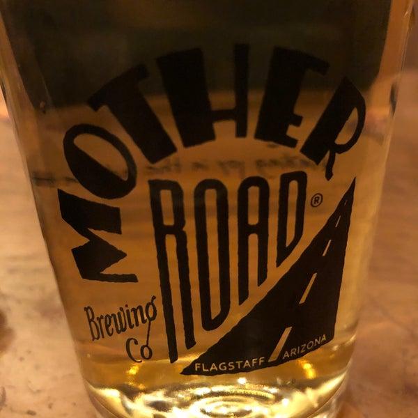 รูปภาพถ่ายที่ Mother Road Brewing Company โดย Christian V. เมื่อ 1/18/2020