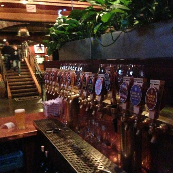 Снимок сделан в Deschutes Brewery Bend Public House пользователем Nicholas S. 2/16/2013