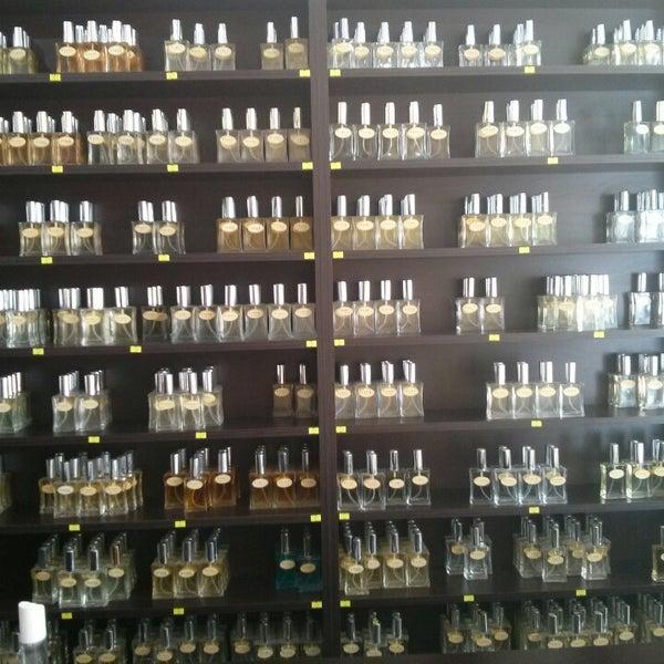Eyfel Parfum Adanada Kozmetik Mağazası