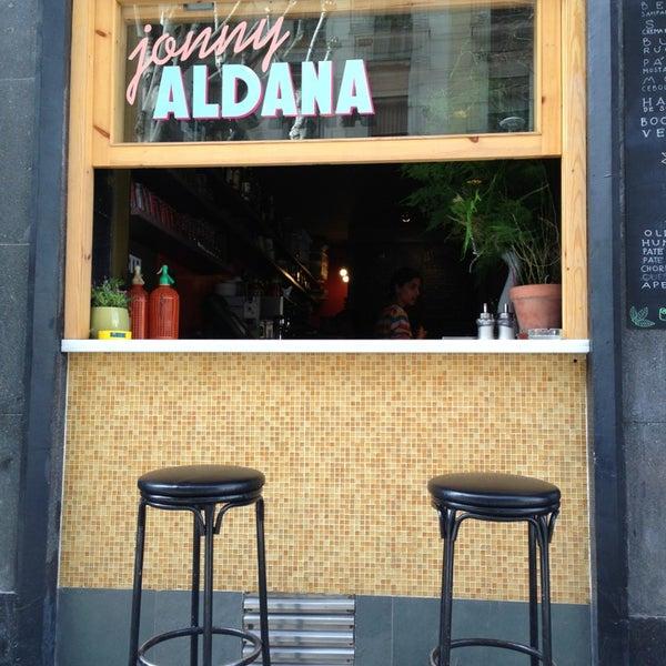 Photo prise au Jonny Aldana Bar par Midietavegana le4/7/2013