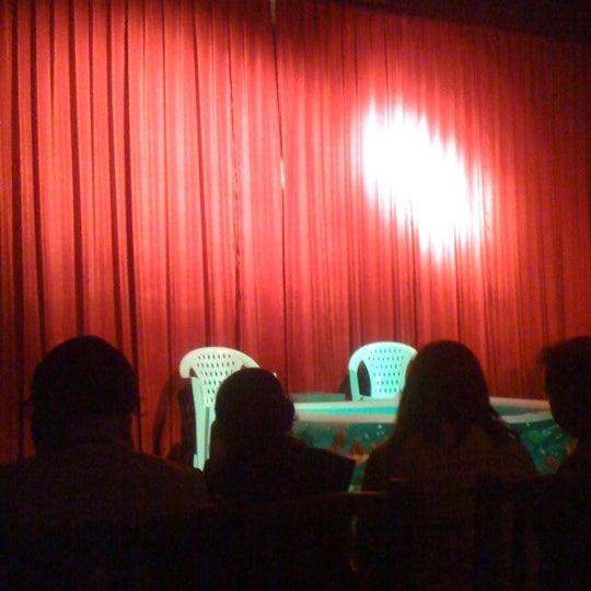 รูปภาพถ่ายที่ La Casona Del Arbol Teatro-Bar & Cocina Show Center โดย Erick P. เมื่อ 3/3/2013