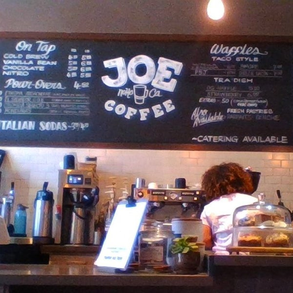 Straight forward coffee place in hip location in The Valley. Friendly. Good. Solid!