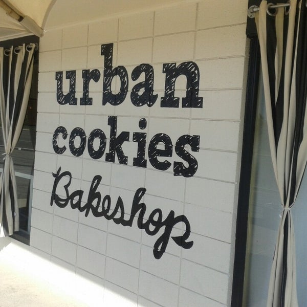 Снимок сделан в Urban Cookies Bakeshop пользователем Adam M. 10/14/2013