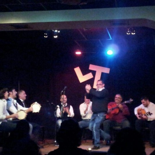 Снимок сделан в Las Tablas Tablao Flamenco пользователем LasTablas T. 12/15/2012