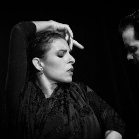 Días 1 y 2 de Abril CARLOS CARBONELL Y ANA SALAZAR UNALMA Dos formas diferentes de expresión y una misma pasión por el flamenco, en donde se unen dos artistas.
