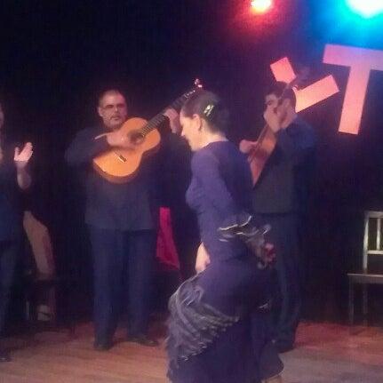 Снимок сделан в Las Tablas Tablao Flamenco пользователем LasTablas T. 1/1/2013