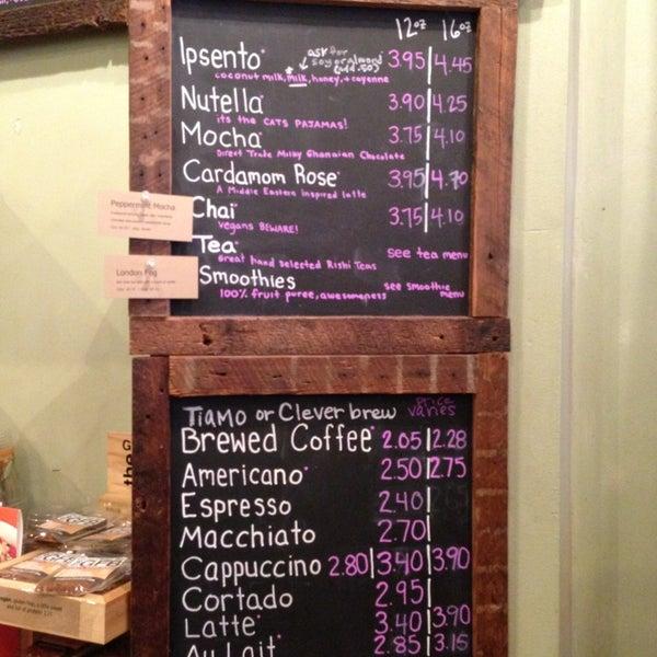 Foto tomada en Ipsento Coffee House por Mandy B. el 1/20/2013