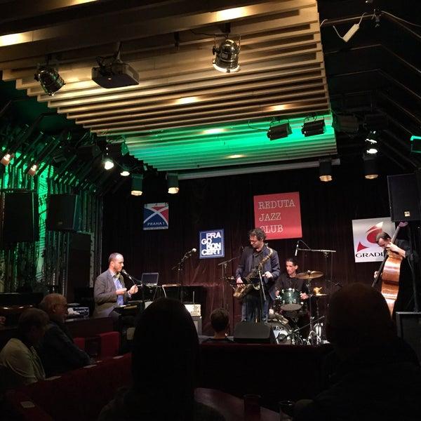 Foto tomada en Reduta Jazz Club por Kushtrim X. el 9/30/2017