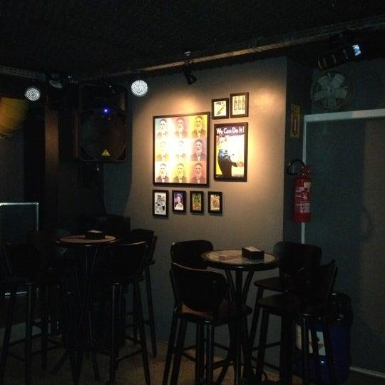 12/13/2012 tarihinde Dante A.ziyaretçi tarafından Factory Coffee Bar'de çekilen fotoğraf
