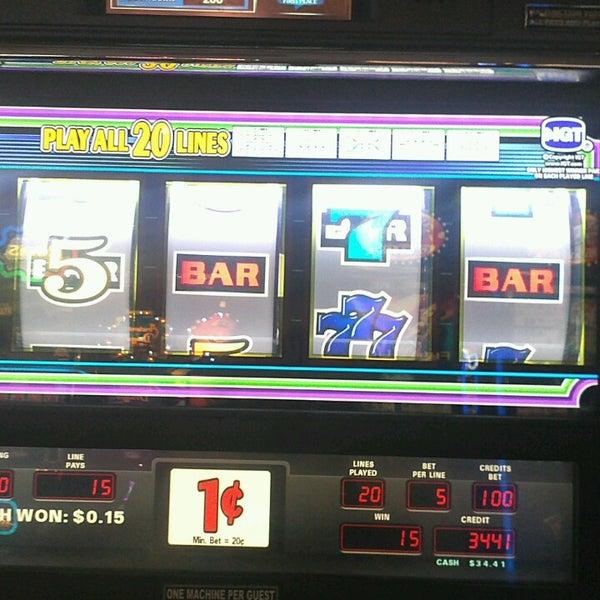 รูปภาพถ่ายที่ Valley View Casino & Hotel โดย Glenda C. เมื่อ 3/2/2013