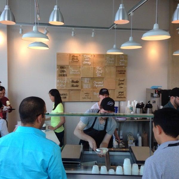 7/11/2014에 Chris M.님이 Ice Cream Jubilee에서 찍은 사진