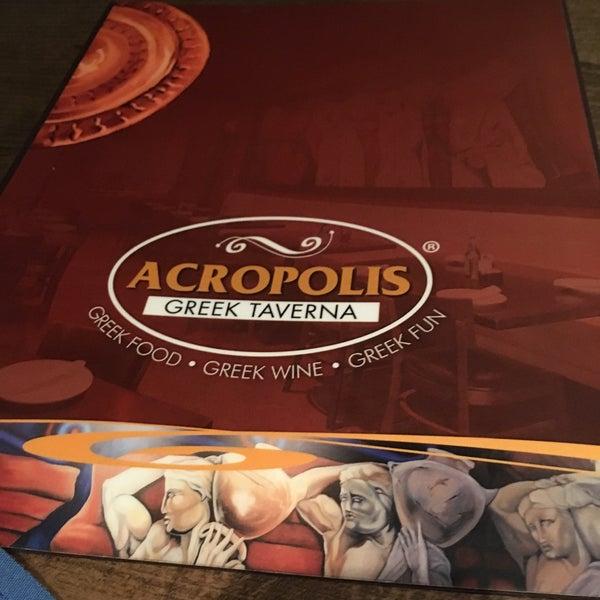 Foto tirada no(a) Acropolis Greek Taverna por 🏈 Stephanie H. em 4/25/2017